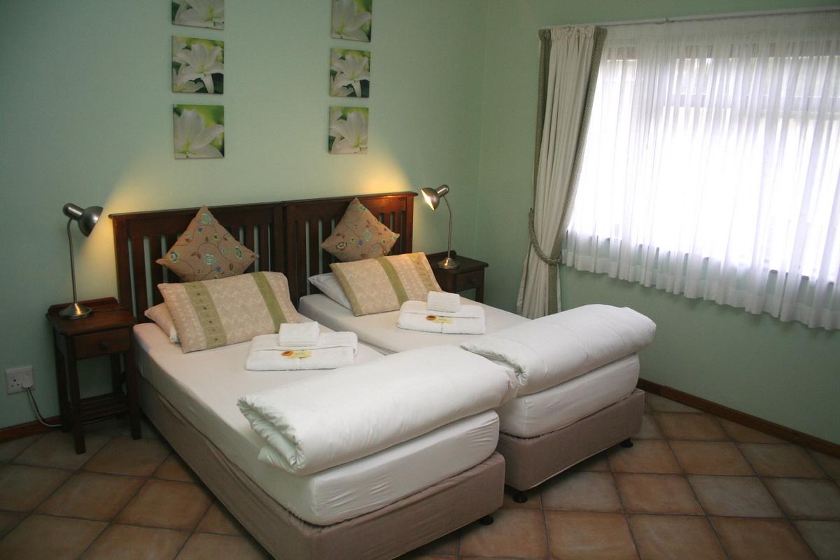 Family Unit - Avenues Guesthouse